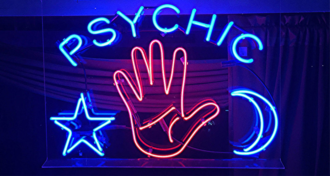 USEREVIEW 005: Writers as Psychics
